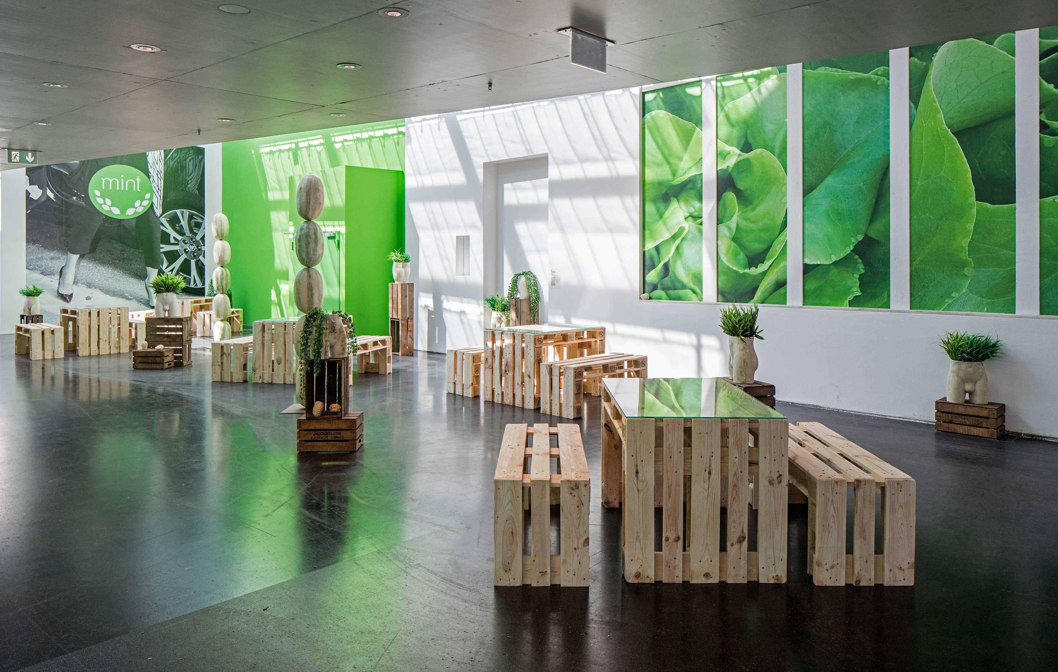Debora Delmar_ MINT_ Berlin Biennale, 2016 credits. DDCorp. photoTimo Ohler